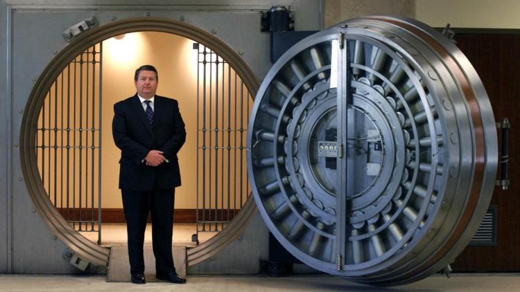 differenza banchiere bancario